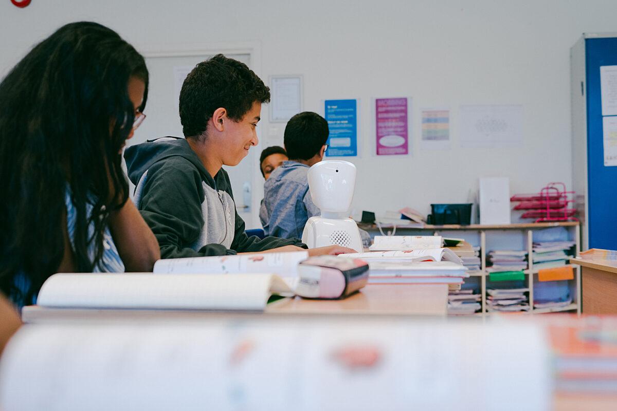 AV1 sitter i klassen